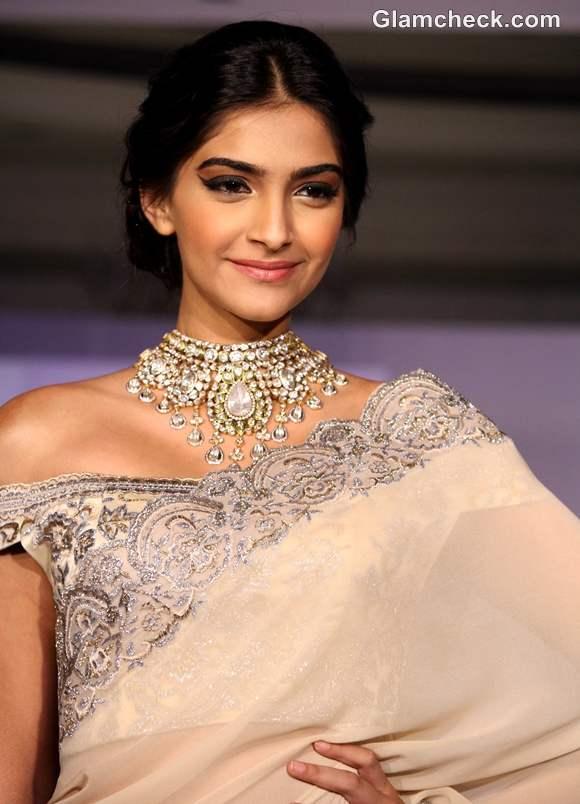 Sonam Kapoor In Suneet Verma At The Indian Gem Jewellery Press Meet