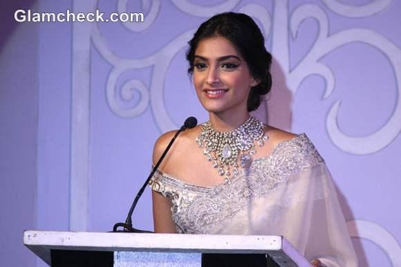 Sonam Kapoor at Indian Gem Jewellery Press Meet