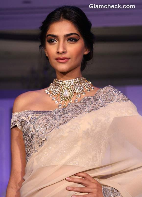 Sonam Kapoor traditional look 2013