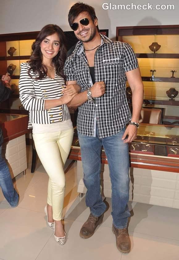 Vivek Oberoi  Neha Sharma Promote Jayantabhai Ki Love Story in Mumbai