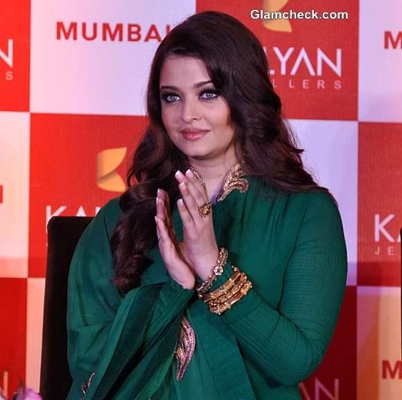 Aishwarya Rai Bachchan 2013 in Green Anarkali suit
