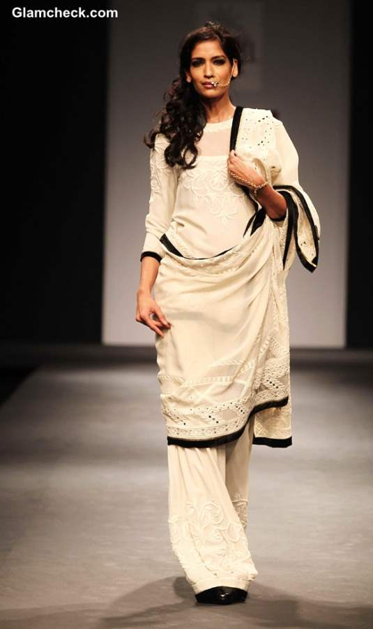 Awadh by Vineet Bahl Wills Lifestyle India Fashion Week Fall-Winter 2013