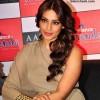 Bipasha Basu curly hairstyle 2013