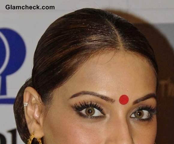 Bipasha Basu eye makeup