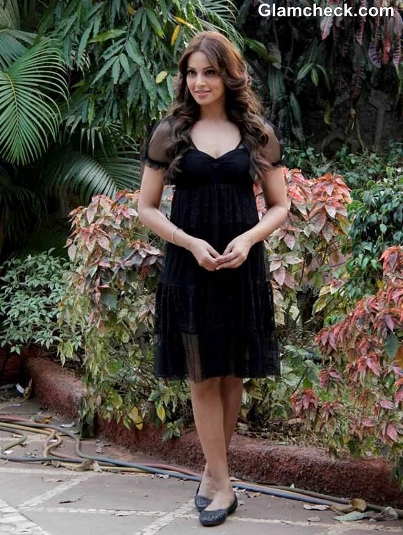 Bipasha Basu in Black Shift Dress at Aatma Promo
