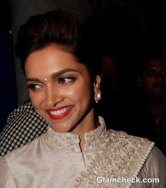 Bollywood Celeb Makeup Trend Orange Lips- Deepika Padukone