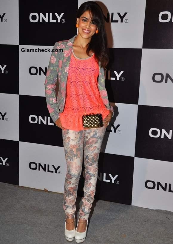 Genelia Deshmukh at allure fashion show s-s 2013