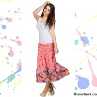 Holi Dressing tips wearing white top with peach skirt