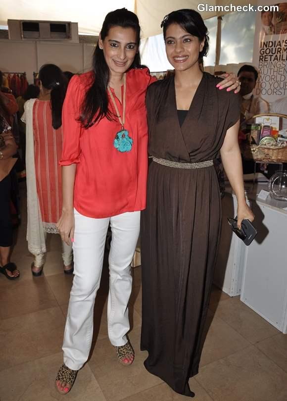 Kajol and Mana Shetty at Children NGOs Aariash Exhibition