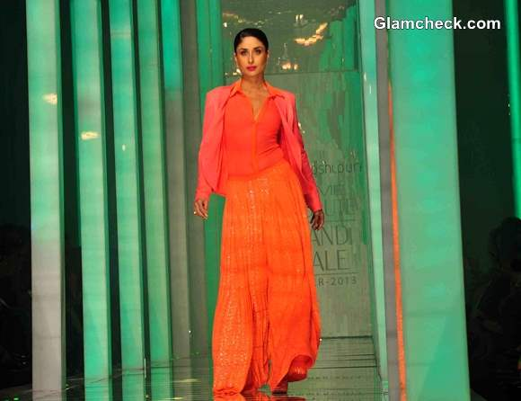 Kareena Kapoor at LFW Summer Resort 2013