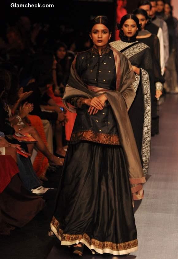 Manish Malhotra at the LFW Summer-Resort 2013 collection