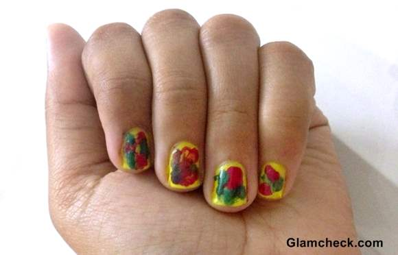 Nail Art holi inspired nails