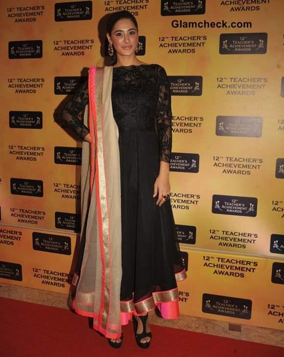 Nargis Fakhri anarkali suit 12th Teachers Achievement Awards 2013