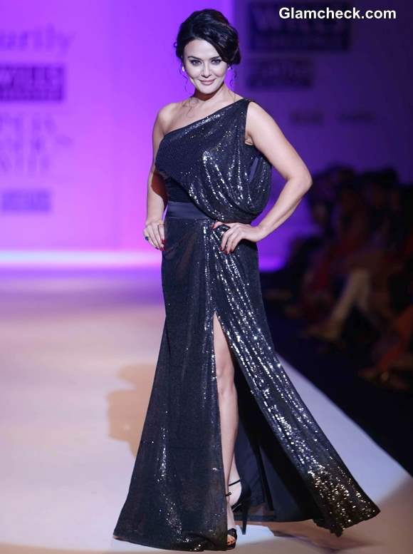 Preity Zinta Show-stopper at Surily Goel show WIFW Fall-Winter 2013