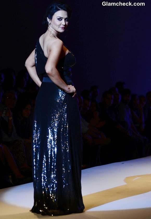Preity Zinta at Surily Goel show WIFW Fall-Winter 2013 show