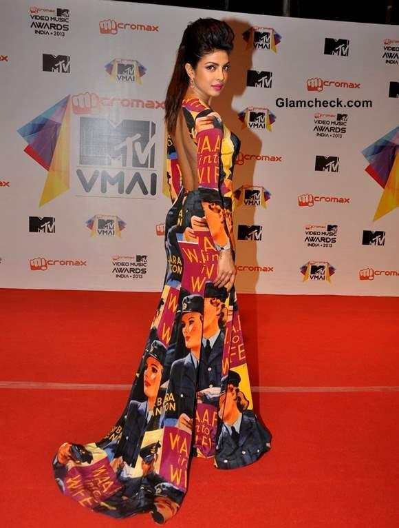 Priyanka Chopra at MTV Video Music Awards India 2013