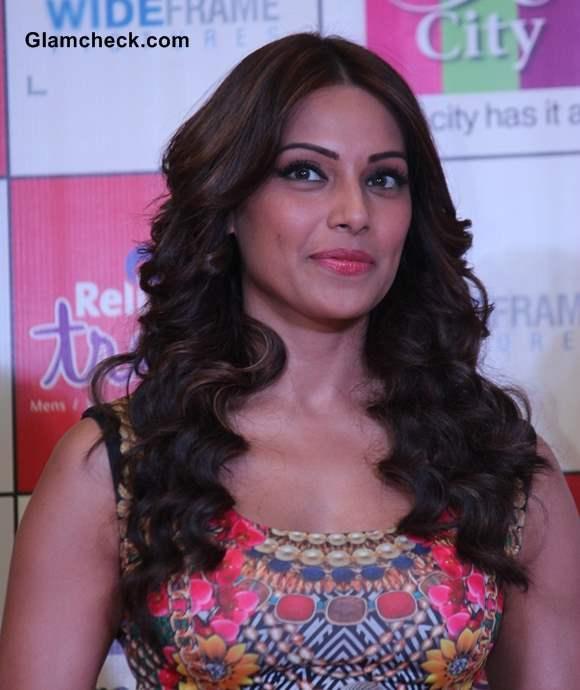 Sassy Seductress Bipasha Basu 2013
