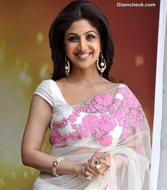 Shilpa Shetty 2013 White Sari at MasterChef India 3 Promos