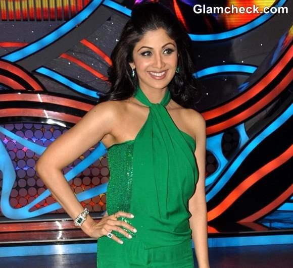 Shilpa Shetty in Retro Style Green Jumpsuit on Nach Baliye 5