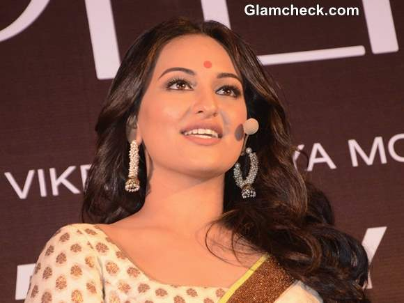 Sonakshi Sinha Lootera movie Trailer Launch