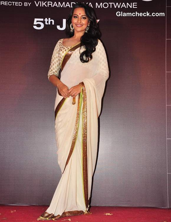 Sonakshi Sinha in white saree at Lootera Trailer Launch