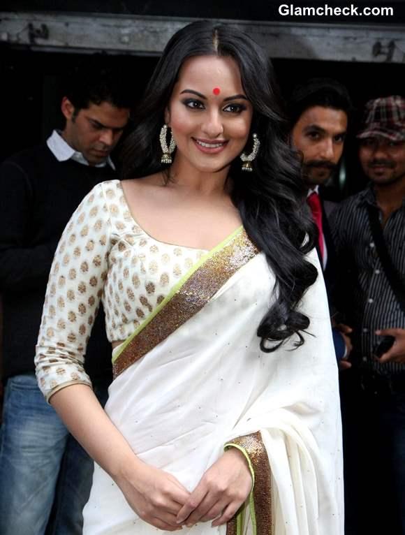 Sonakshi Sinha white saree at Lootera Trailer Launch
