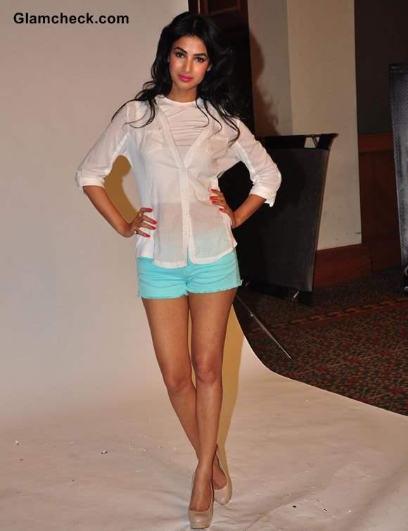 Sonal Chauhan 2013 Summer Look