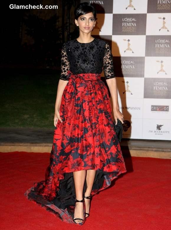 Sonam Kapoor at 2013 LOreal Paris Femina Women Awards