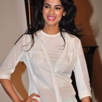 Style Inspiration Sonal Chauhan Cool Summer Look