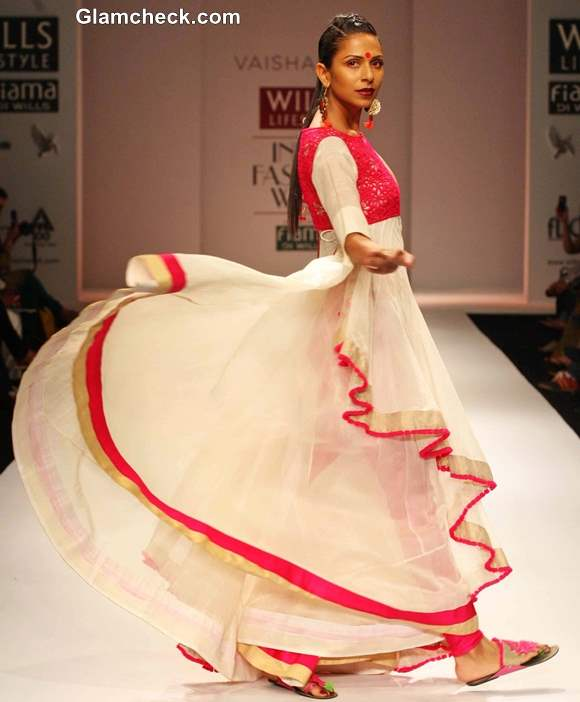 Vaishali S Collection at WIFW Fall-Winter 2013