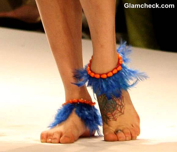 WIFW Fall-Winter 2013 feather accessories trend by Preeti S Kapoor