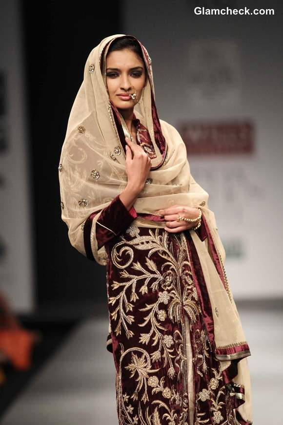 Wills Lifestyle India Fashion Week Fall-Winter 2013 Vineet Bahl Awadh Collection