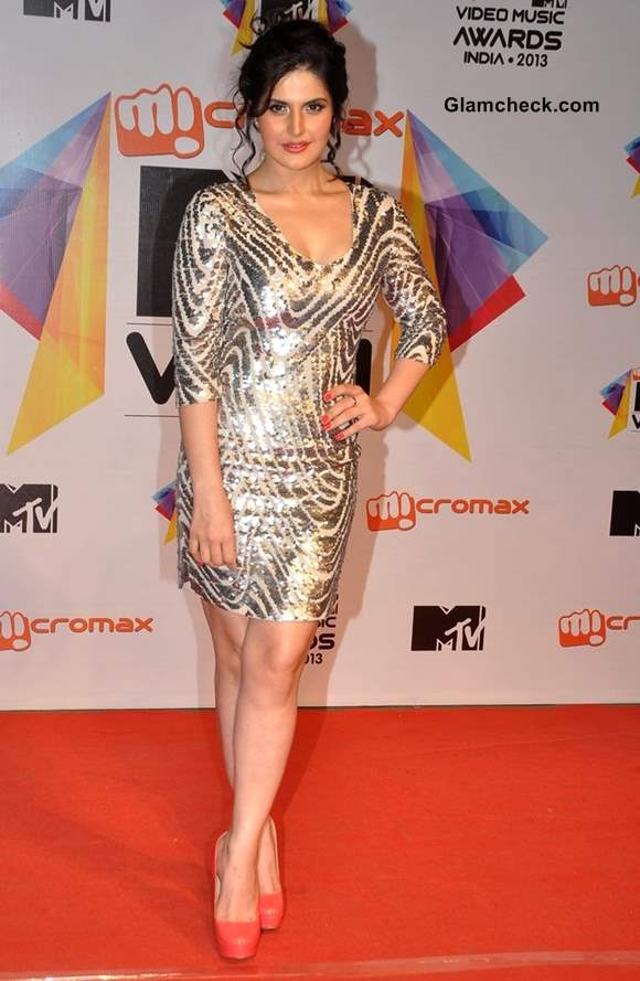 Zarine Khan MTV Video Music Awards India 2013