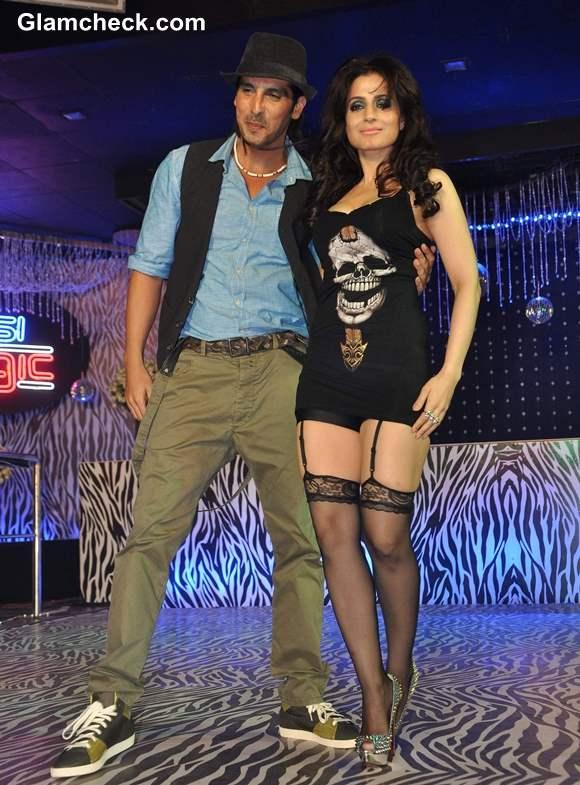 Ameesha Patel Zaid Khan in Desi Magic