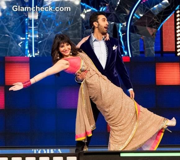 Anushka and Ranbir Kapoor Performs at TOI Film Awards 2013