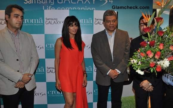 Chitragada Singh at Samsung Galaxy S4 Launch