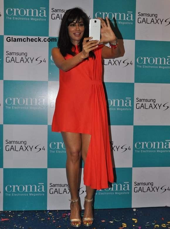 Chitragada Singh in Red Dior dress at Samsung Galaxy S4 Launch