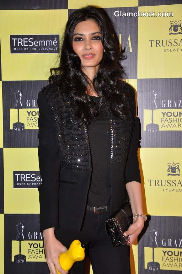 Diana Penty Sexy in All-Black Outfit at Grazia Awards 2013