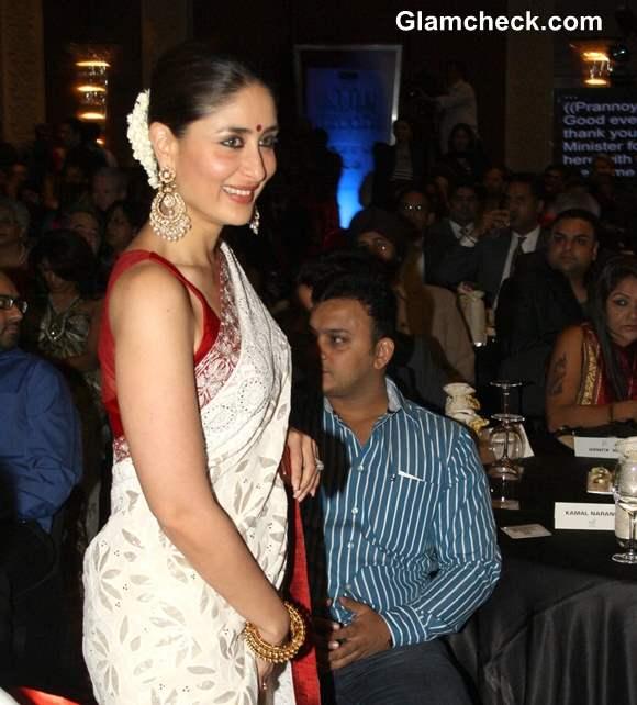 Kareena Kapoor at NDTV Indian of the Year 2012