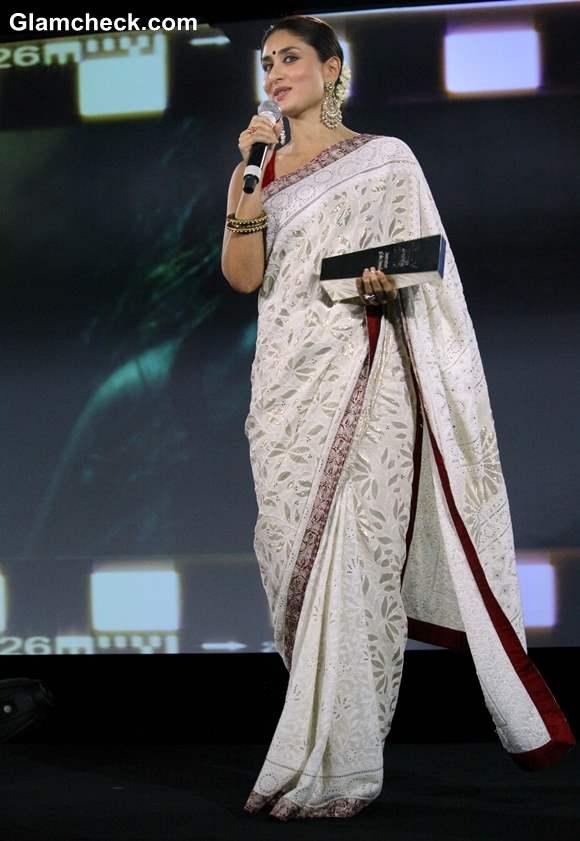 Kareena Kapoor in saree at NDTV Indian of the Year 2012