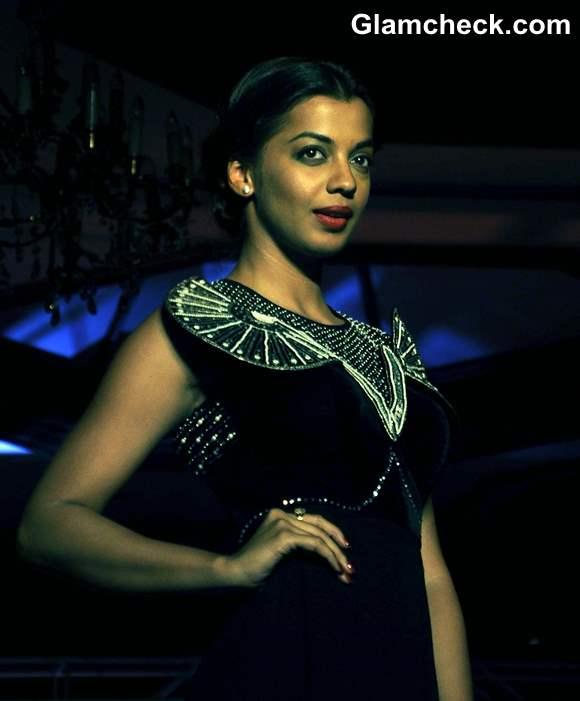 Mugdha Godse Showstopper at Ditiya Roy New Label Fashion Show