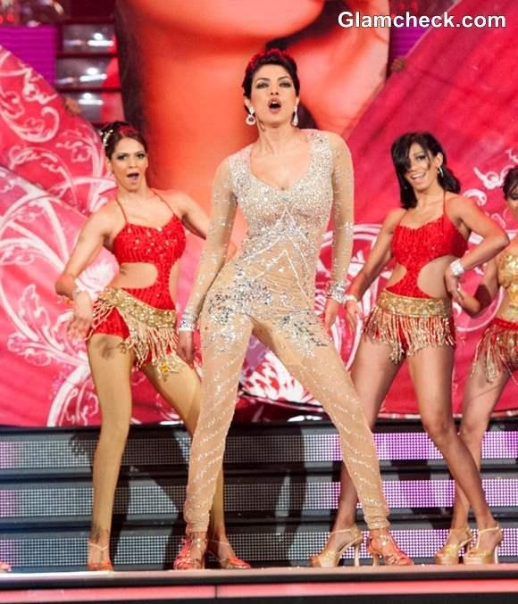 Priyanka Chopra Performs at TOI Film Awards 2013