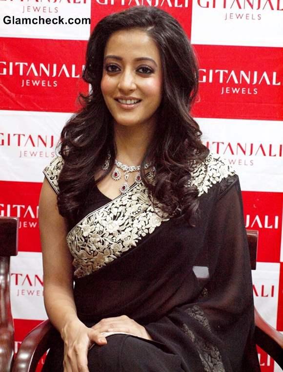 Raima Sen 2013 in Gorgeous Black Sari