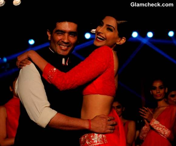Sonam Kapoor and Manish Malhotra at the launch of Colagte Visible White