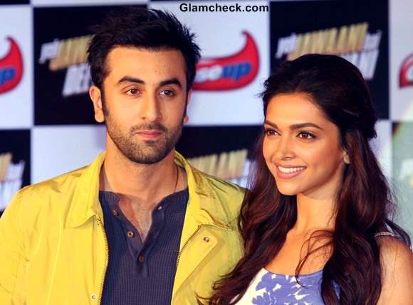 Deepika Padukone Ranbir Kapoor at Yeh Jawaani Hai Deewani Close Up Event