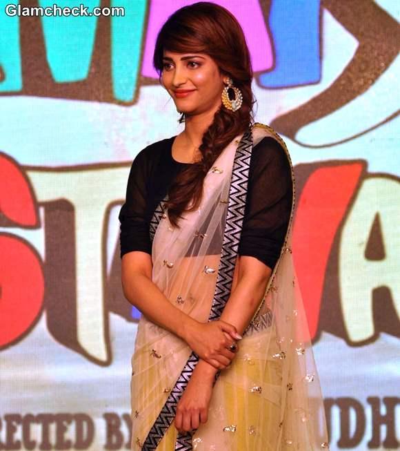 Shruthi Hassan Hot In Sari 2013