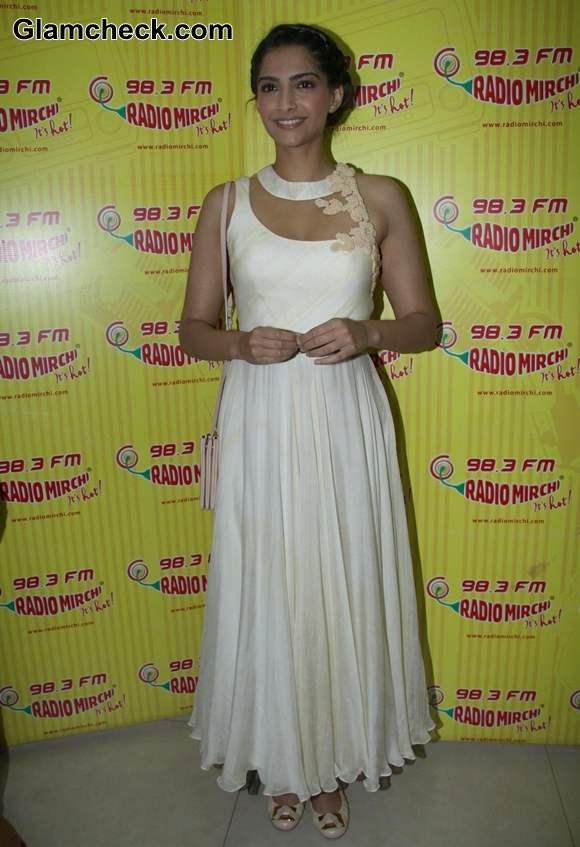 Sonam Kapoor Raanjhanaa Ka Lallan 2013