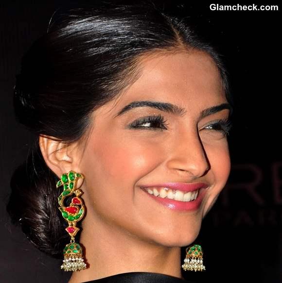 Sonam Kapoor Timeless Hairstyle  Makeup 2013