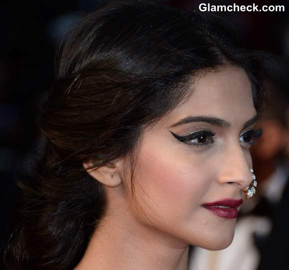 Sonam Kapoor hairstyle makeup 2013 Cannes Film Festival Opening Ceremony