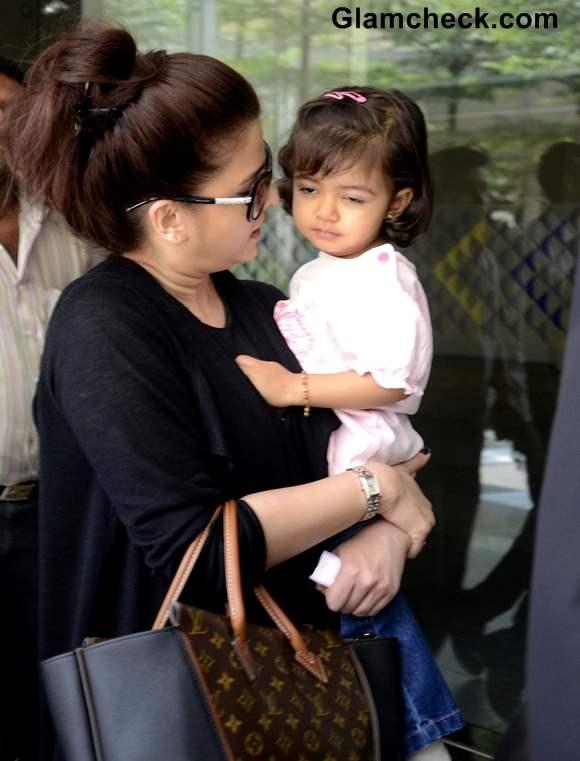 Aishwarya Rai Bachchan with daughter Aradhya 2013